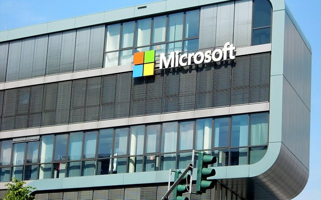 Microsoft Admits that Human Contractors can Listen to Skype and Cortana Audio