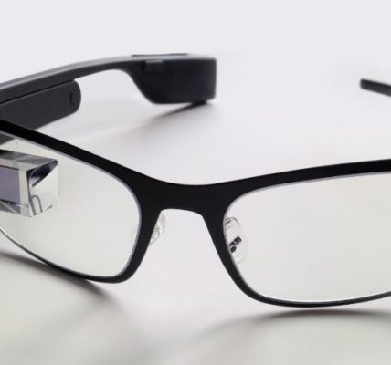 Google Releases New Version of AR Glasses