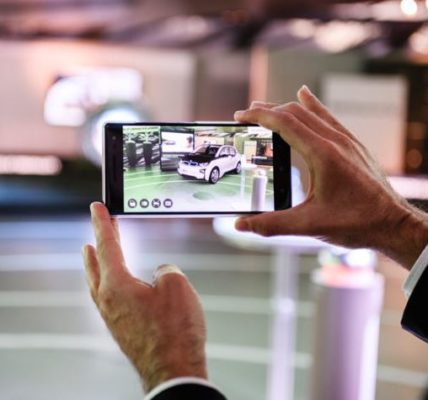 Augmented Reality to be a part of Google Searches very soon