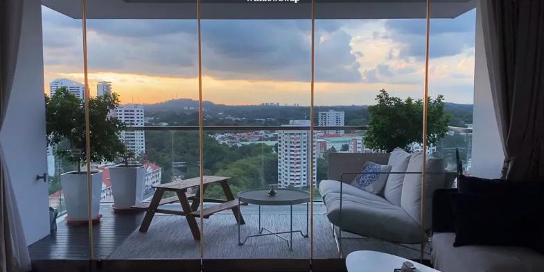 WindowSwap Lets you Cycle through Picturesque Views - Appy Pie